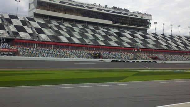 Rain shortens Thursday practice at Daytona
