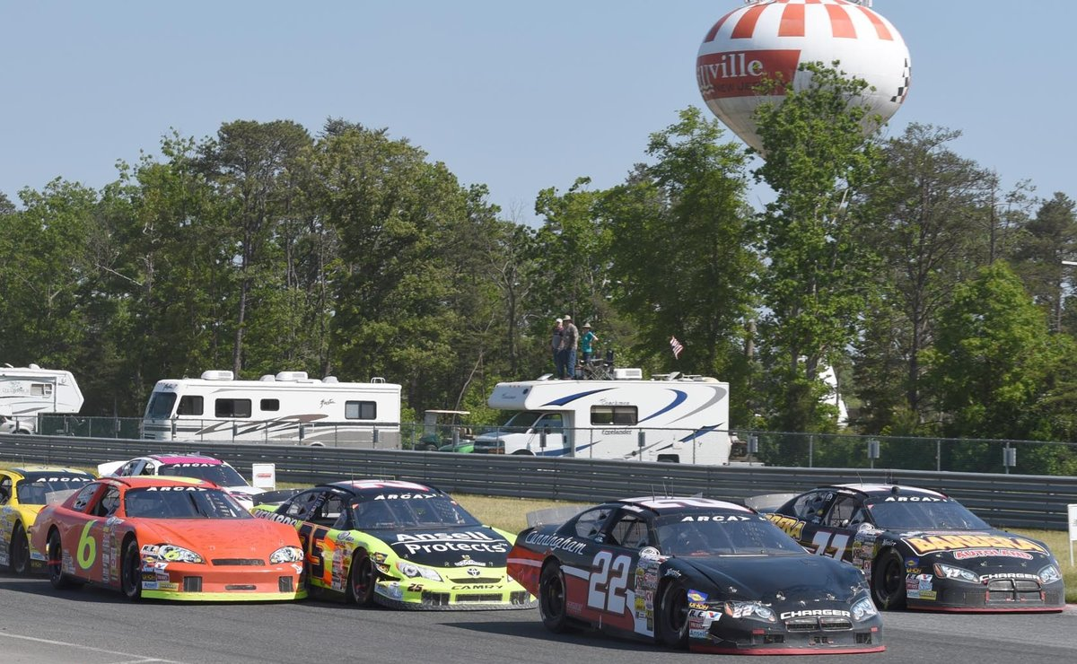 New Jersey Motorsports Park Selling Season Tickets For