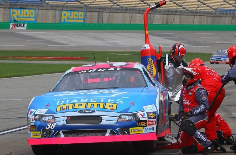 ARCA Safety Initiative updates safety equipment requirements for over-the-wall crew members in 2016