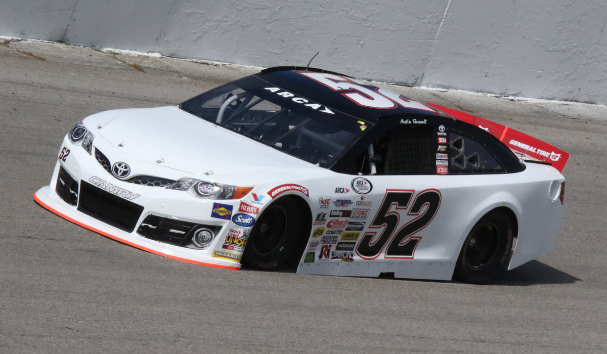 Theriault, Holmes making laps at Salem; 101st on the way