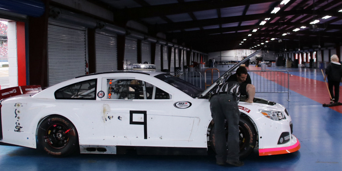 With a Veterans Day salute, the Moose conquers composite test at Talladega
