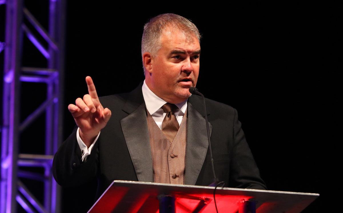 Veteran TV announcer Jim Tretow returns to host ARCA awards banquet