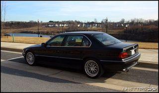 BMW 7er rear pose