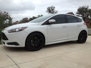 Ford Focus St White Black Rims 2