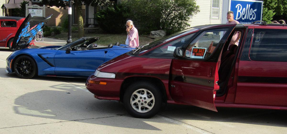 Sub $3k minivan upstages $150k+ C7 Corvette