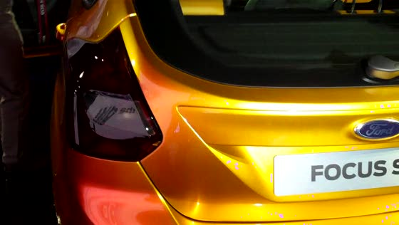 Walk around footage of the 2012 Ford Focus ST