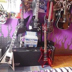 Esp Truckster/ Ltd Alexi-600/Ltd ex-400 /Ltd mh1000 deluxe /Bcrich Warlock Acrylic/ Epiphone acoustic Dave Navarro
