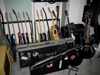Pete's Guitars (Medium)
