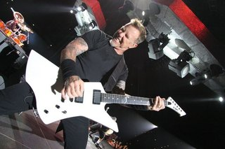 Dv016 Jpg Large H70587 James Hetfield Playing Snakebyte