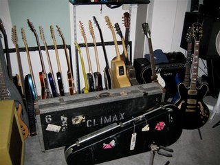Pete's Guitars (Medium)