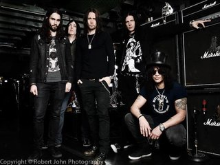 Slash Ft Myles Kennedy The Conspirators Slash 30801577 720 540