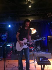Bruce Kulick playing his LTD Viper-1000 at Musicians Institute