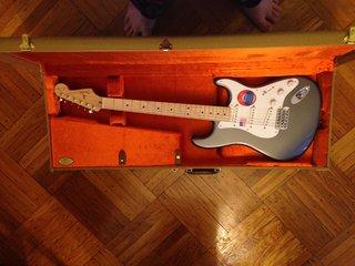 Fender Eric Clapton 2014 custom gtr in pewter with tweed case
