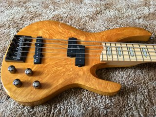 Body and Sound Board Shape of a RB-1005 Bass
