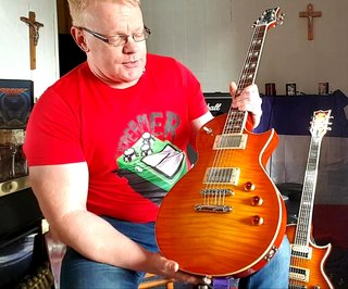 The stunning Skolnick,perhaps my most favourite guitar ever.