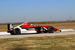 Cool Texas Temperatures Put F4 U.S. Drivers to the Test