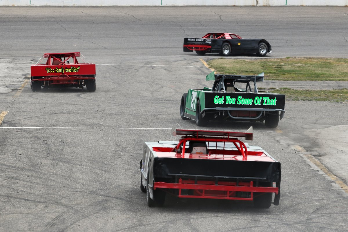 KIDS NIGHT, 4 DIVISION RACE CARD AT FLAT ROCK SATURDAY—6:30 P.M. START TIME