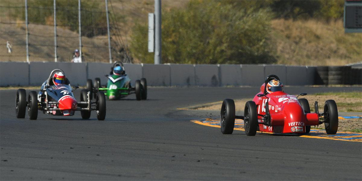 Varacins Wins His Seventh Runoffs after a Formula Vee Dogfight