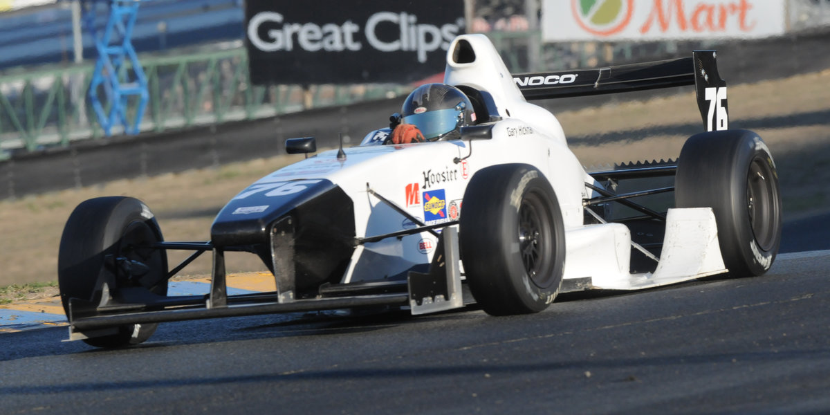 Hickman Gets National Championship in Formula 1000