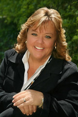 Kathy M Maleck